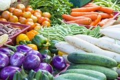 Suporte dos vegetais no mercado molhado Fotografia de Stock