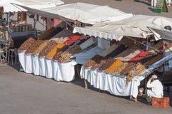 Suporte seco dos frutos e das porcas em C4marraquexe fotografia de stock