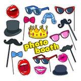Suportes da cabine da foto com bordos, chapéu e monóculos Crachás, remendos e etiquetas da decoração do partido ilustração royalty free