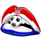 Suportes do futebol do batom da bandeira da Croácia com bola de futebol e o emblema Chequered do protetor Foto de Stock Royalty Free