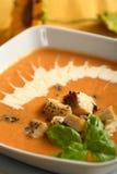 Suppe gebildet von den essbaren Meerestieren Stockfotografie