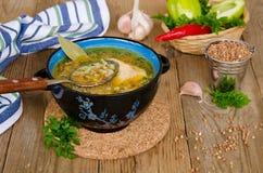 Suppe mit Buchweizengrützen Stockfotografie