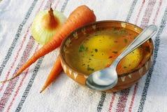 Suppe mit Grießmehlklößen Lizenzfreie Stockfotos
