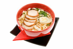 Suppe mit Makkaroni stockbilder