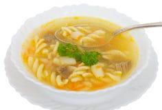 Suppe mit Makkaroni und Fleisch lizenzfreies stockbild