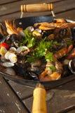 Suppe mit Meeresfrüchten Stockbild