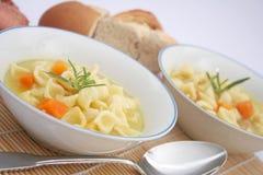 Suppe mit Nudeln Lizenzfreies Stockbild