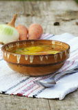 Suppe mit organischem Gemüse Stockfotos