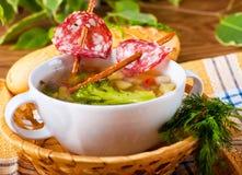 Suppe mit salzigen Strohen Stockfoto