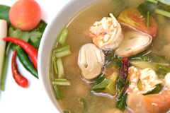 Suppe Toms Yum Goong mit Garnele, thailändische Nahrung Lizenzfreie Stockbilder