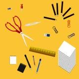 Supplis biura ssissors i władca, Tapetują, gumka, klamerki, Notepad Obrazy Stock