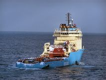 Supply boat. A supply boat that delivers supplies to offshore oil rigs Royalty Free Stock Images