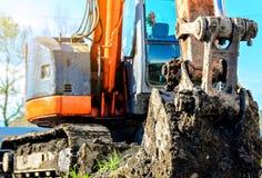 Support d'excavatrice dans le chantier de construction Photos libres de droits