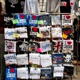 Support de souvenir de Londres sur un marché Images libres de droits