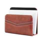 Support en cuir rouge d'enveloppe d'isolement Photos stock
