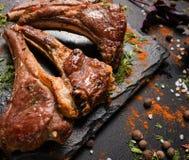 Support mou de plat de gourmet d'agneau photos stock