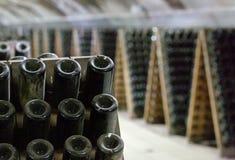 Support résolvant utilisé pour vieillir les vins mousseux photographie stock libre de droits