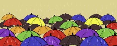 Support unique différent d'individualité de beaucoup de parapluies colorés hors de l'espace de copie de concept de foule Image stock