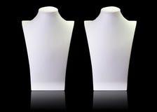 Support vide blanc de mannequin de collier d'isolement sur le backgroun noir Photos stock