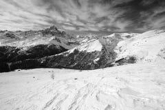 Support Viso dans les Alpes noirs et blancs et italiens Image libre de droits
