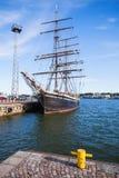 Supporti d'annata della nave attraccati nel porto di Helsinki Fotografia Stock