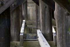 Supporti del ponte di legno Fotografie Stock