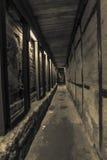 Supporti occidentali del calcestruzzo del tunnel della parete Immagine Stock