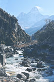 Supporto Amadablam alta Himalaya Immagine Stock Libera da Diritti