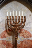 Supporto antico Menorah della lampada Fotografie Stock Libere da Diritti