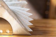 Supporto bianco dei tovaglioli fotografia stock