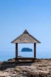 Supporto conico sulla riva dell'isola di Maiton, Tailandia Fotografia Stock
