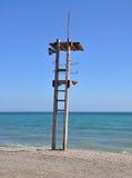 Supporto del bagnino sulla spiaggia Mediterranea Fotografie Stock Libere da Diritti
