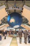 Supporto dell'Expo al pezzo 2015, scambio internazionale di turismo a Milano, Italia Immagine Stock