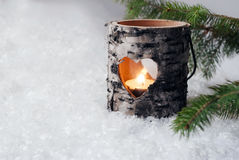 Supporto di candela di legno nella neve Immagine Stock Libera da Diritti