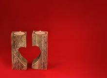 Supporto di candela romantico sotto forma di cuore per il giorno del ` s del biglietto di S. Valentino Immagine Stock