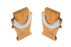 Supporto di legno dei gioielli fotografie stock