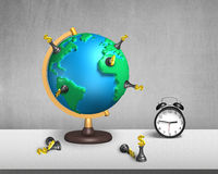 Supporto di scacchi sul globo della mappa 3d con l'orologio Fotografie Stock
