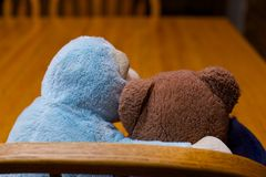 Supporto di unità di Toy Teddy Bear Hugging Monkey Friendship Fotografia Stock Libera da Diritti