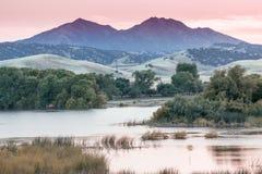 Supporto Diablo Sunset da Marsh Creek Reservoir Immagini Stock Libere da Diritti