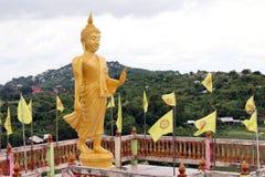 Supporto dorato della statua di Buddha, oro di Buddha immagine stock