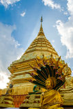 Supporto dorato Wat Phra That Doi Suthep Immagini Stock