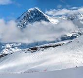 Supporto Eiger e stazione sciistica di Grindelwald in Svizzera Fotografia Stock Libera da Diritti