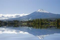 Supporto Fuji e lago. Fotografia Stock Libera da Diritti
