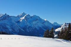 Supporto innevato Oldenhorn Scena di inverno vicino a Gstaad, Switzerl Fotografie Stock