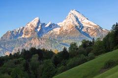 supporto Neve-incoronato di Watzmann in parco nazionale bavarese famoso Berchtesgaden Fotografie Stock Libere da Diritti