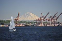 Supporto Rainer ed il porto di Seattle Immagini Stock Libere da Diritti