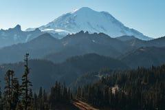 Supporto Rainier Daylight Peaks And Details fotografia stock libera da diritti