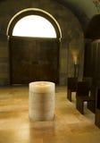 Supporto sacro dell'acqua nella chiesa Fotografia Stock
