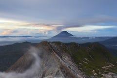 Supporto Sinabung del vulcano Immagine Stock