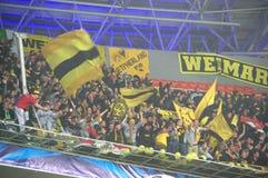 Supportrar och fläktar av Borussia Dortmund Arkivbild